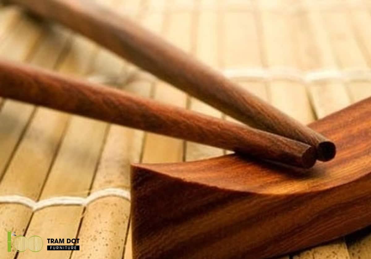Nấm mốc luôn là sự đau đầu cho người dùng sử dụng nội thất bằng gỗ
