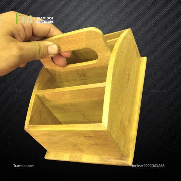 Khay tre đựng lọ gia vị 4 ngăn có quai xách L24xW14xH13cm TRAMDOT